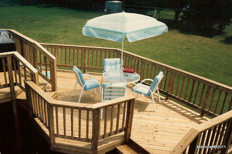 Deck Detail For A Raised Ranch